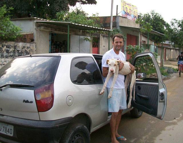 Man Makes Incredible Rescue Of Dog Abandoned And Left To Die