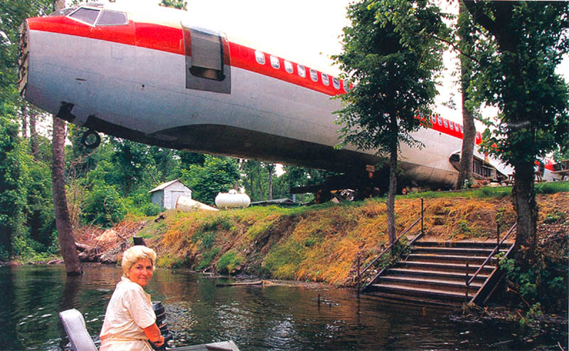 Someone Turned An Old Airplane Into Their Epic Dream Home